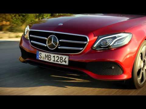 Mercedes-Benz E-Class: больше, экономичнее, безопаснее