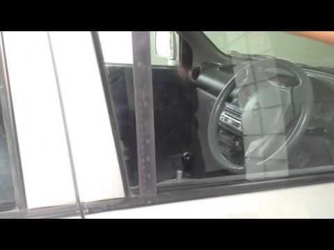 Вот как открыть автомобильную дверь без ключа